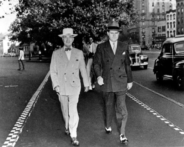 truman-walking-with-usss-agent.jpg