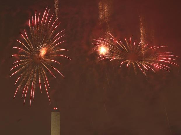 fireworks-dc-479499318.jpg