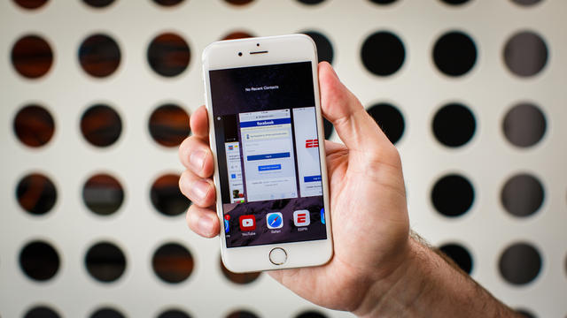 7 ways you're completely killing your iPhone battery - CBS News