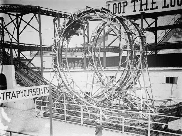 amusement-parks-loop-the-loop-luna-park-loc.jpg