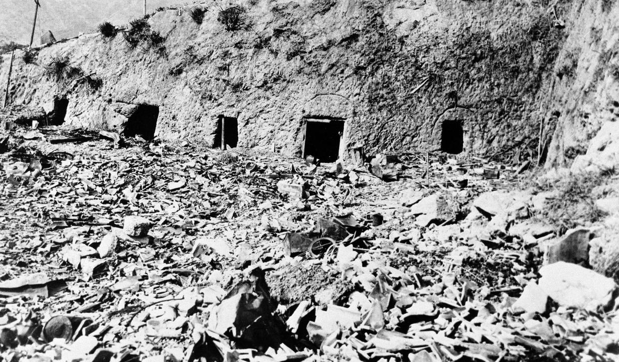 hiroshima and nagasaki bombing essay Free essay: almost 70 years ago on august 6, 1945 at 8:15 am, the united states crushed the city of hiroshima with a 10,000 pound atomic bomb that changed.