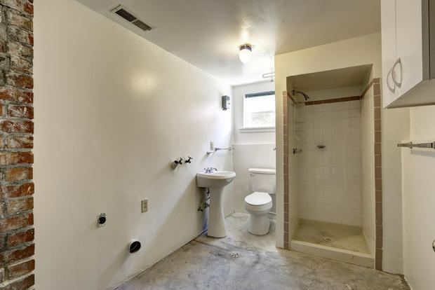Lighting Basement Washroom Stairs: Adding A Bathroom In The Basement