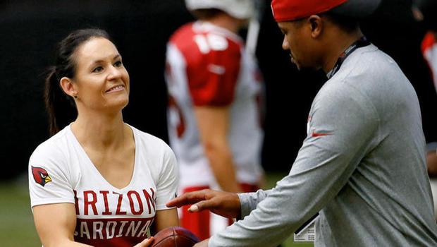 528a27fd Arizona Cardinals' Jen Welter on being first female NFL coach - CBS News