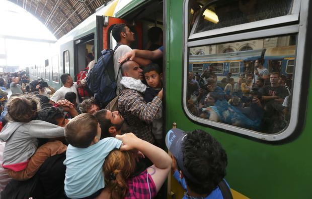 budapestmigrantstrain.jpg