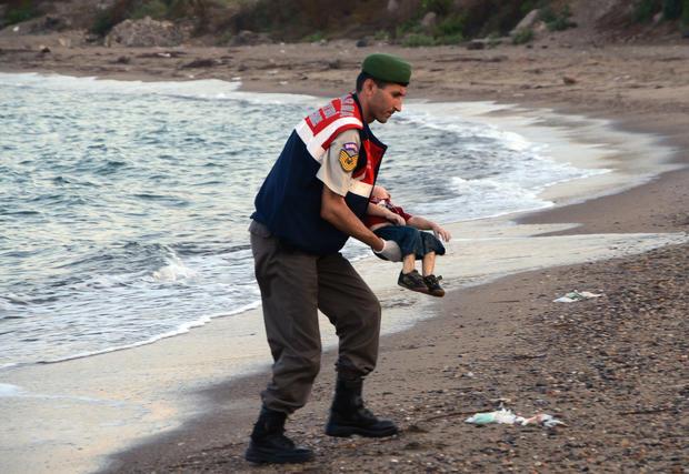 photo-of-drowned-migrant-boy-shocks-world-ap293434580963.jpg