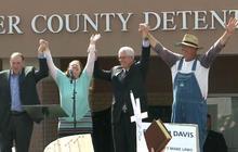 Kentucky county clerk Kim Davis to return to office