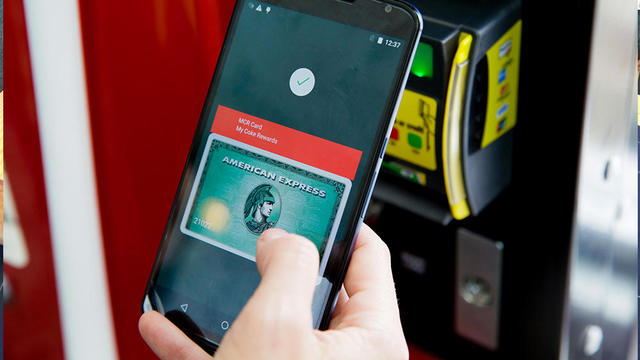 fd-google-io-2015-android-pay-4927.jpg