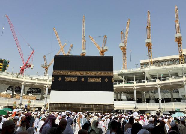 mosque-crane-2.jpg