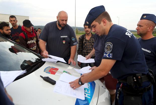 2015-09-14t182940z1452710324gf10000205731rtrmadp3europe-migrants.jpg