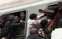 Thousands of migrants flood Croatia en route to Western Europe