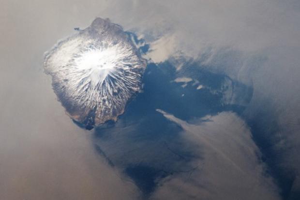 kuril-island-chain-alaid-volcano.jpg