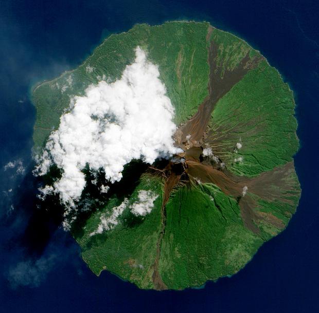 manam-volcano-nasa-flickr.jpg