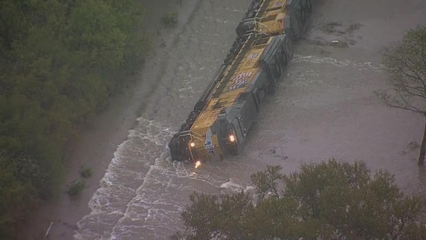 train-derailed-in-flooding-12.jpg