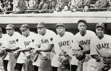"""President recognizes players from the 1920s """"Negro League"""""""