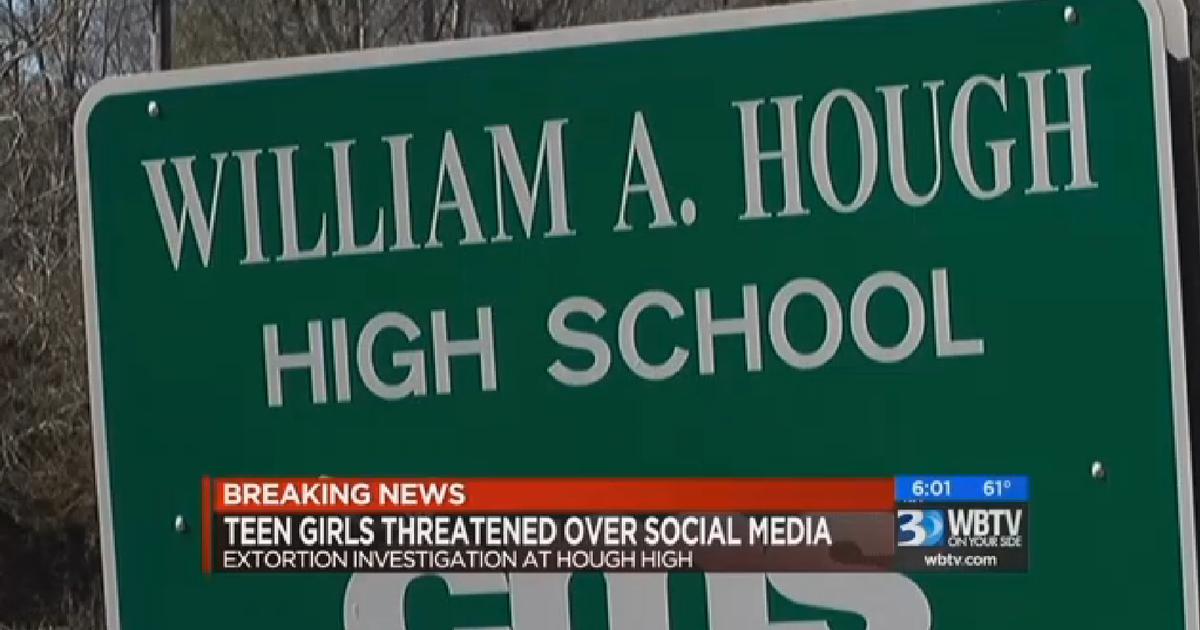 Warrant North Carolina Teen Girls Extorted Over Nude Photos - Cbs News-6372