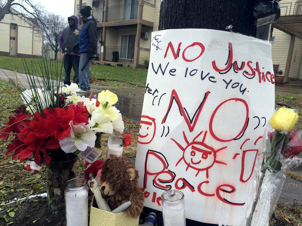 A makeshift memorial is seen at the location where Jamar Clark was allegedly shot by police in Minneapolis