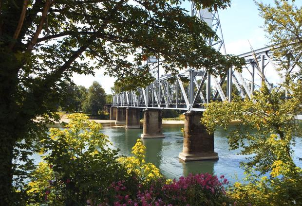 The 9 safest cities in america cbs news for Oregon department of motor vehicles salem or