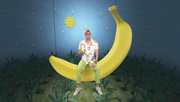 mo-rocca-bananas-620.jpg