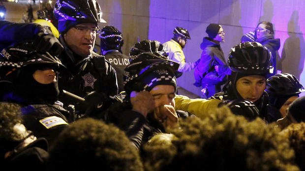 Chicago protests over police shooting of Laquan McDonald
