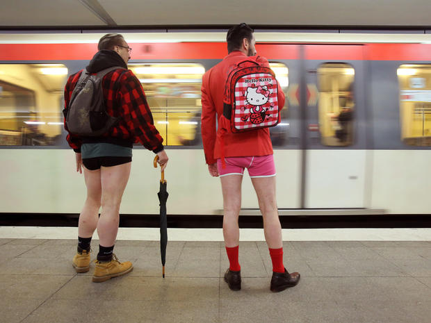 no-pants-subway-ride-hamburg-getty-504326922.jpg