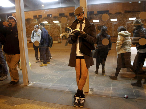 no-pants-subway-ride-jerusalem-rtx21r9f.jpg