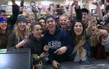 California 7-Eleven store celebrates lottery win