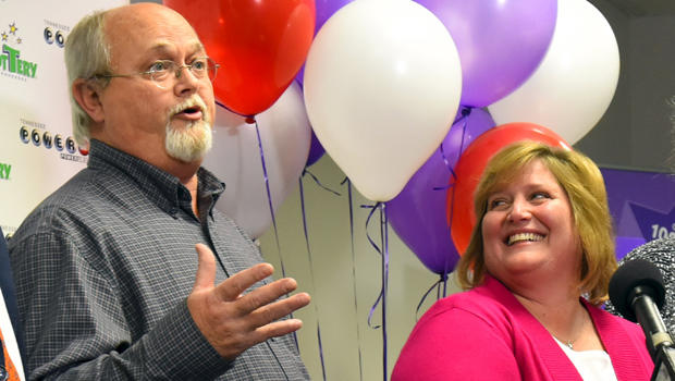 Powerball jackpot co-winners Lisa and John Robinson of Munford, Tennessee, speak to the media at the headquarters of the Tennessee Lottery in Nashville, Tennessee, Jan. 15, 2016.