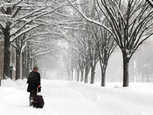 snow-storm-ap981010217148.jpg
