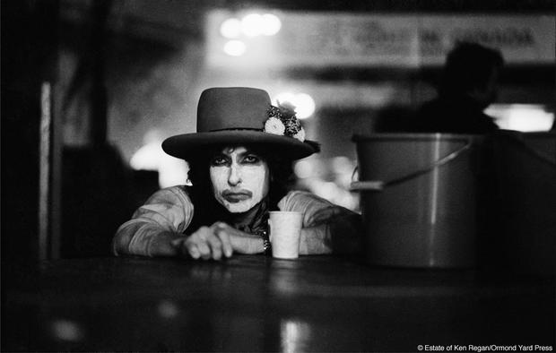 Bob Dylan18-with-cup-and-bucket-wm.jpg