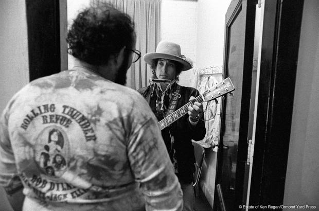 Bob Dylan10-stage-door-wm.jpg