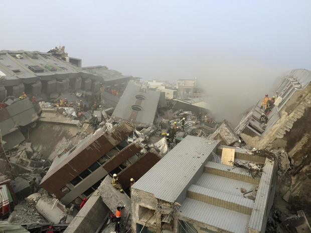 Deadly quake strikes Taiwan