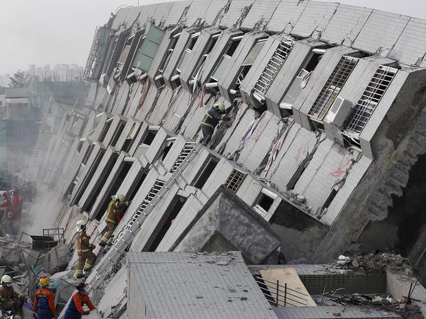taiwan-quake-rtx25pog.jpg