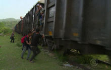 Central American migrants flood Mexico border