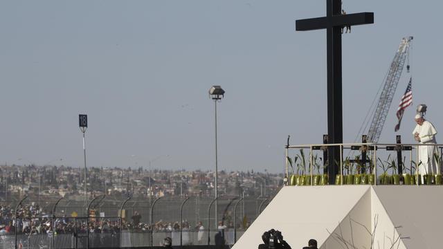 pope-border.jpg