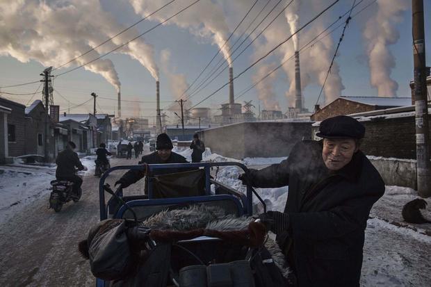 c-kevin-frayer-chinas-coal-addiction.jpg