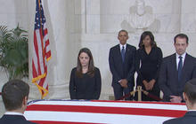 Pres. Obama and first lady pay respect to Justice Antonin Scalia