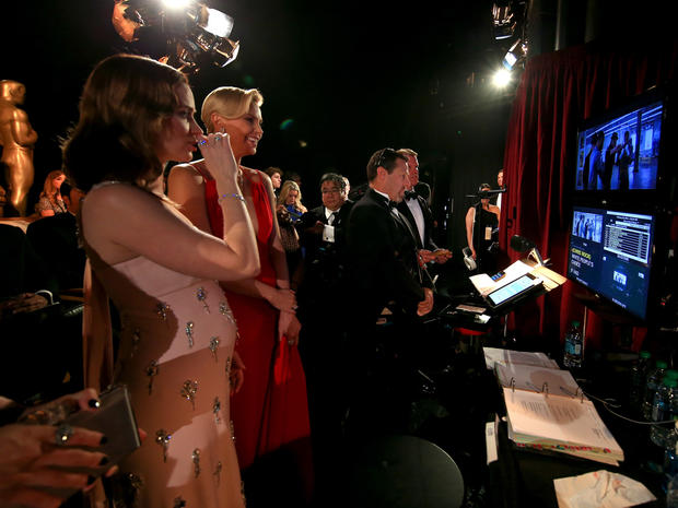Brie Larson Oscars 2016 Backstage Pictures Cbs News