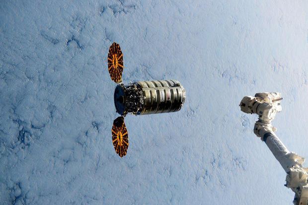 Year-in-space-cvzjfykueaapprr.jpg