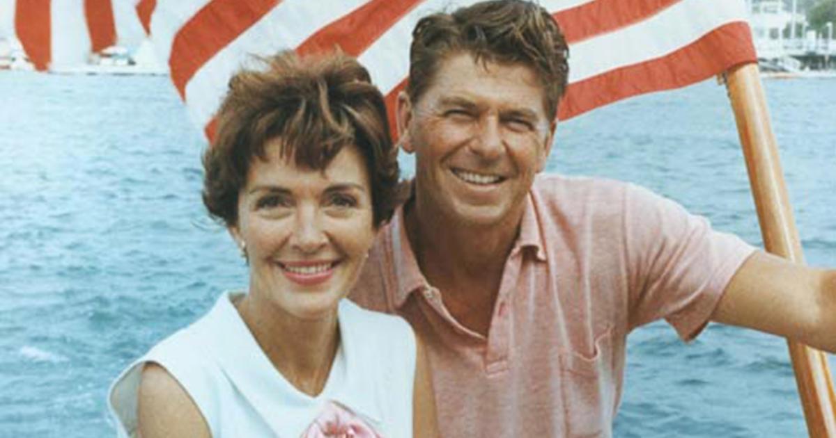 Ronald reagan and nancy davis wedding