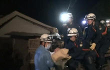 Rescuers save baby from Japan earthquake rubble