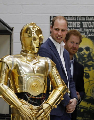 """Prince William and Prince Harry visit the """"Star Wars"""" set"""