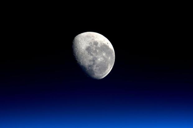 moon-isis-peake.jpg