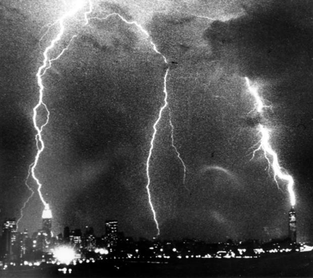 empire-state-building-lightning-strike-ap790828060.jpg