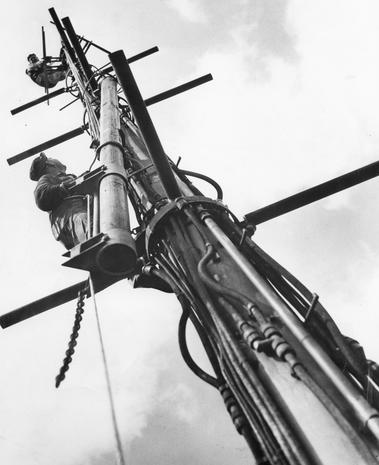 Broadcast Tower - The Empire State Building turns 85