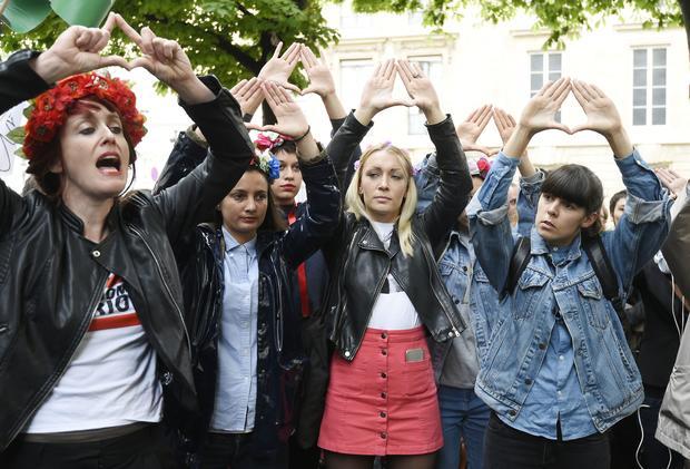 france-sexism-protest-2.jpg