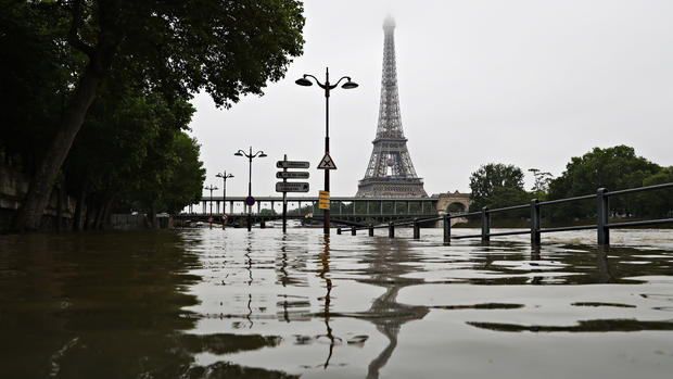 The Seine floods Paris