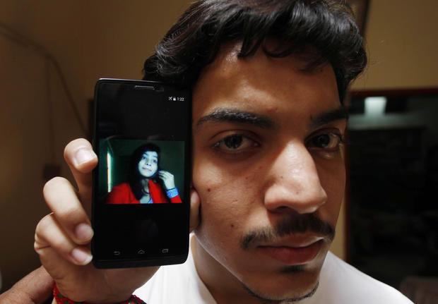 pakistanhonorkillingzeenatrafiqgettyimages-538829408.jpg