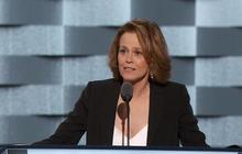 Sigourney Weaver on climate change and Clinton support