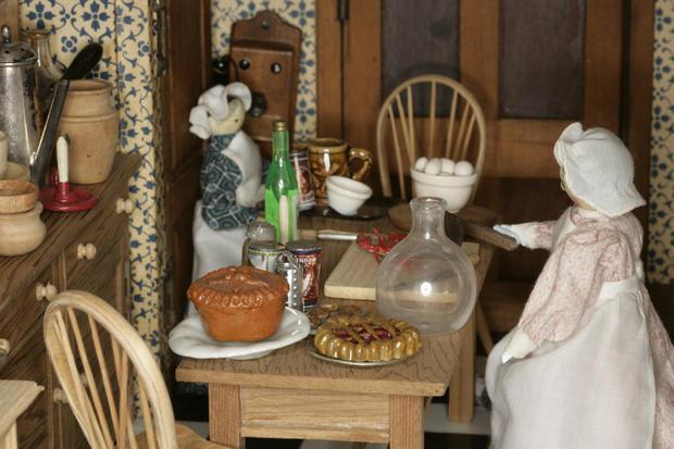 betty-pinney-1910-kitchen.jpg