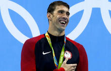 Rio roundup: Patriots teammate plays rugby, Phelps wins 21st gold medal